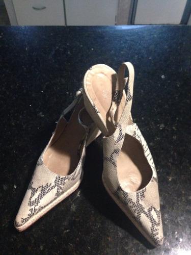 zapato cuero tipo vivora, prune t 40