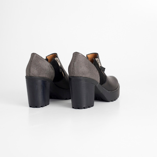 zapato de cuero. art sultan negro. otro calzado