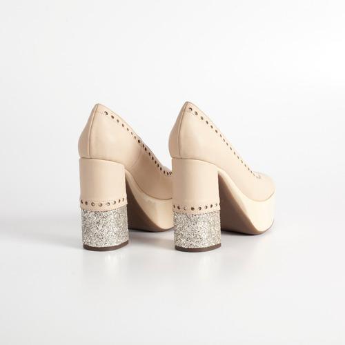 zapato de fiesta. art urano nude. otro calzado