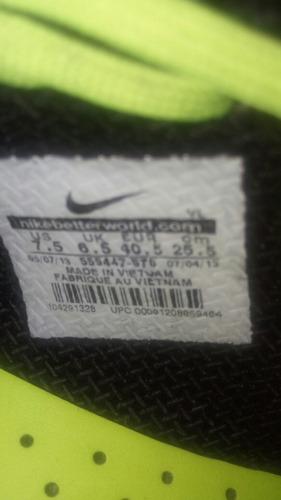 zapato de fútbol nike mercurial