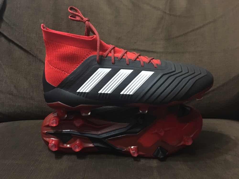 5fafc4ac5d15b zapato de fútbol profesional adidas predator 18.1 black red. Cargando zoom.