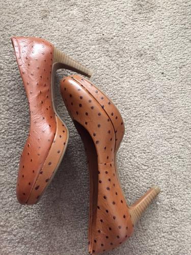 zapato de tacon talla 3.5