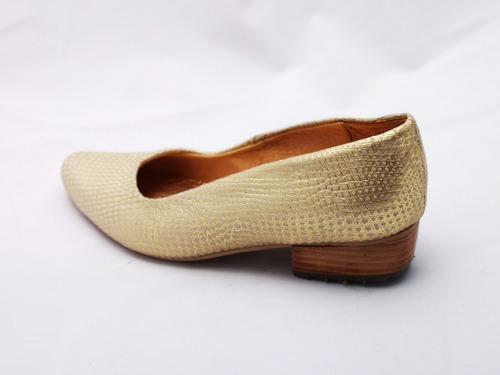 zapato de vestir en cuero dorado, comodisimo!