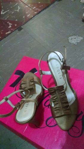 zapato dorado