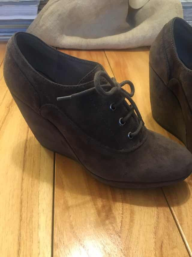 75f2c52d0f5 zapato gamuza color chocolatenum38 marca geox. Cargando zoom.