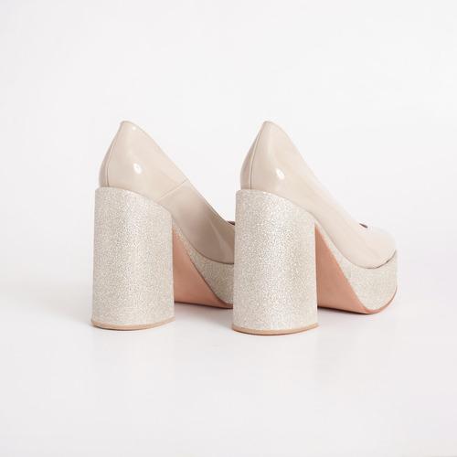 zapato plataforma de charol. art urano nude. otro calzado