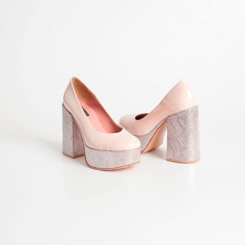 zapato plataforma de charol art urano nude-rosa.otro calzado