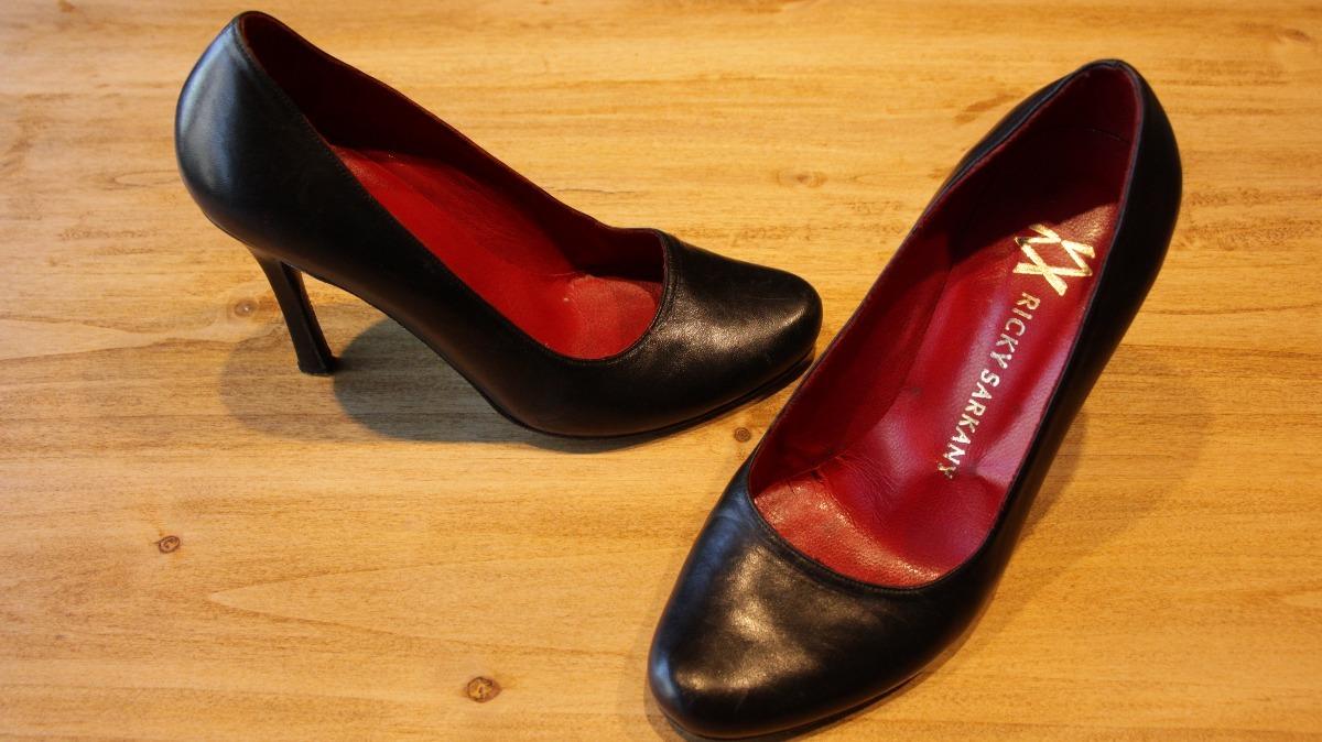 16b5eba14ec Zapato sarkany paruolo stilettos negro mujer feria americana jpg 1200x674  Sarkany paruolo charol punta redondo zapatos