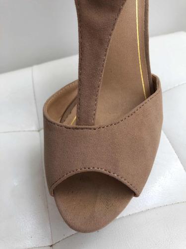 zapato taco beige nut