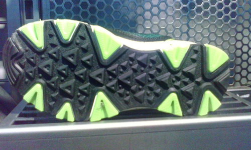 zapato umbro para niño 100% original