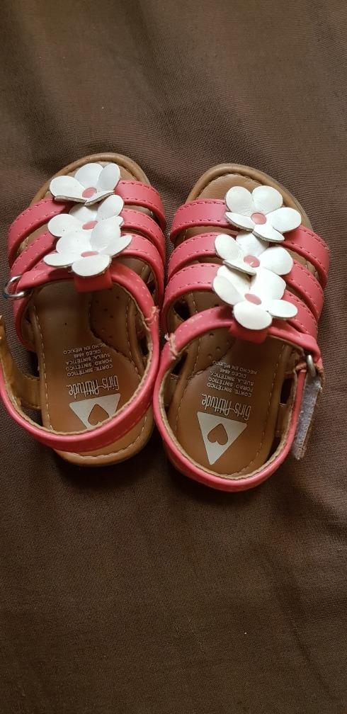 937830223 Zapatos 3 Pares Para Niña Diferentes Marcas - $ 260.00 en Mercado Libre