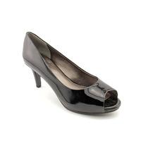 Trotters Olivia W Mujeres Peep Toe Zapatos De Charol