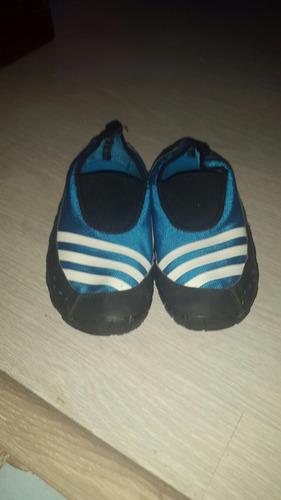 zapatos adidas jawpaw unisex talka us 4 o 35. una puesta