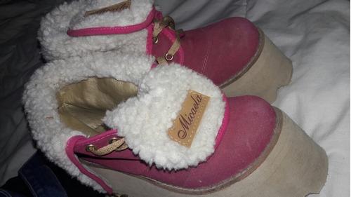 zapatos altos color rosa  y marron