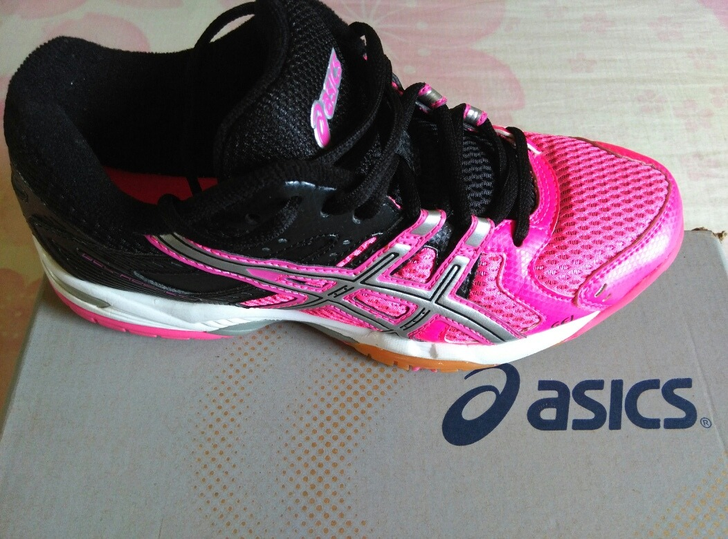 asics gel rocket 6