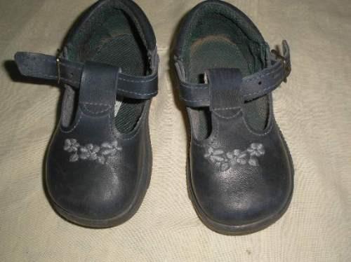 zapatos azules bordados nro: 24