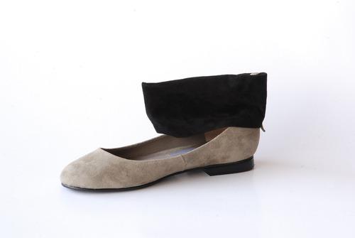 zapatos balerinas beige y tobillera negra milano bags