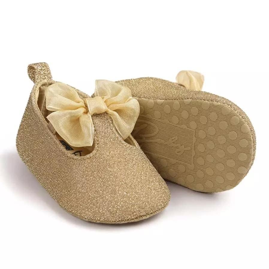 61b27d9646f zapatos bebe modernos niña verano dorados brilante elegante. Cargando zoom.