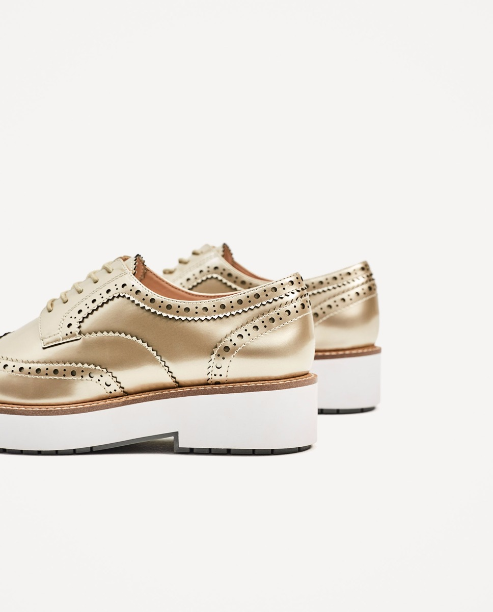 b1ea03b9921c5 zapatos blucher dorado metalizado zara. Cargando zoom.