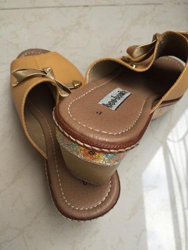 zapatos bon-bonite zuecos color mostaza.