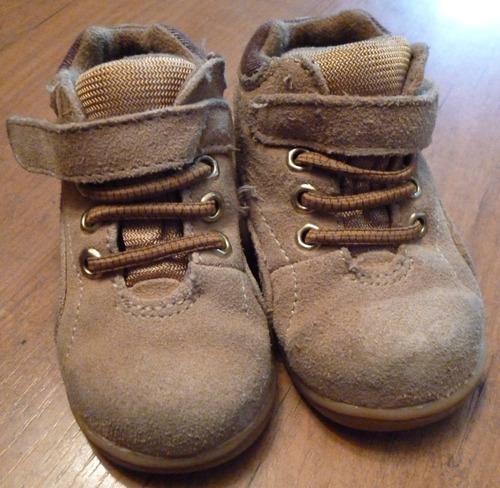 zapatos botas infantiles beige suede talla 4 marca toes
