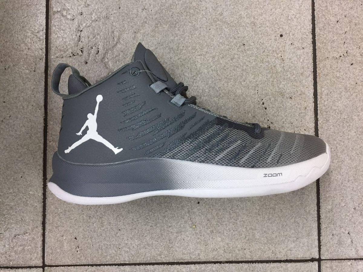 zapatos y botas jordan