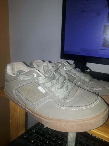 zapatos byv