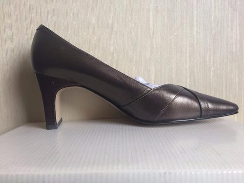 zapatos caressa