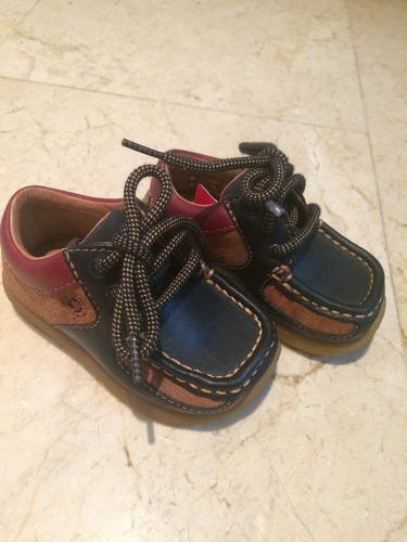 zapatos clark para bebés