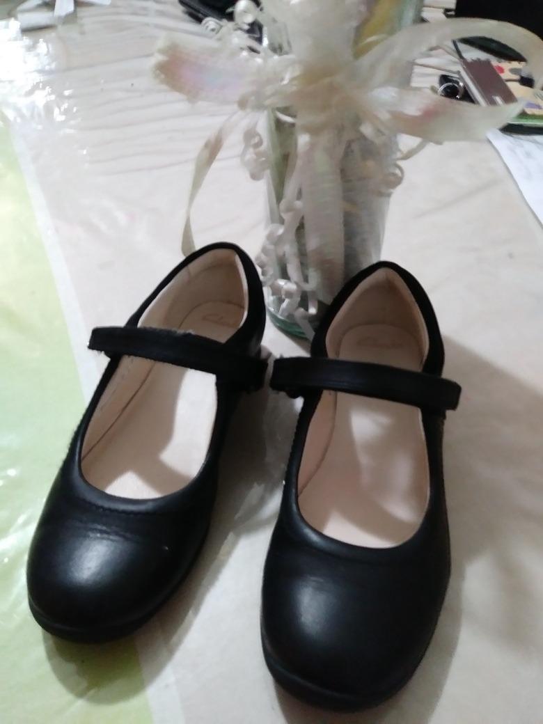 Zapatos Colegiales Para Ninas. Clarks Usados Poco Uso