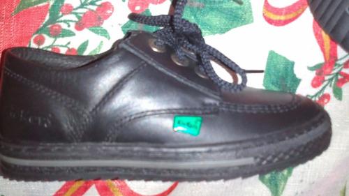 zapatos colegiales para niños