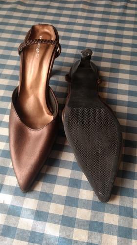 zapatos color cobre