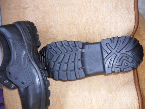 zapatos con punta de acero