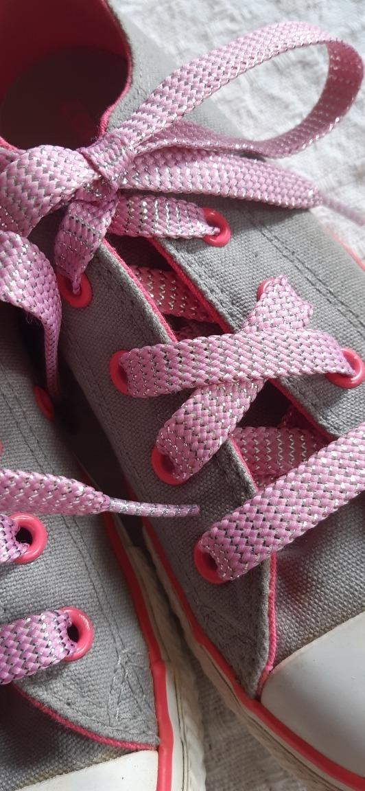 Zapatos Converse Para Niña Talla 32 Bs. 25.000,00