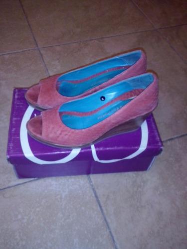 zapatos cuero color coral - laura constanza