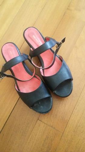 zapatos cuero con plataforma  talle 39