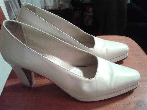 zapatos cuero crema 39.comodisimos! san isidro