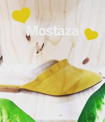 zapatos cuero gamuzado con volado fucsia, mostaza y nude