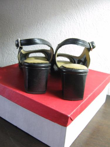 zapatos cuero negro y villone  san crispino  nro 36