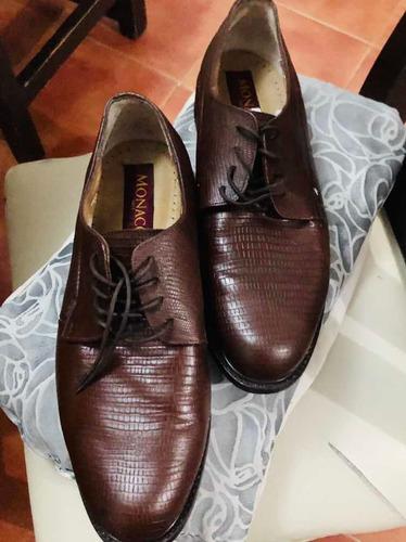 zapatos d hombre cafés. d piel nuevos