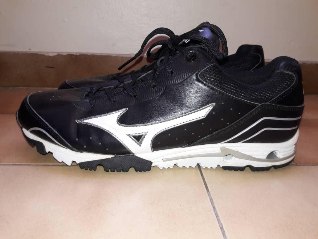 zapatos under armour rolling shoes mizuno