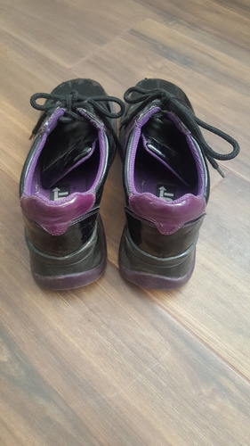 zapatos de charol c plataforma y agujetas morado c negro t24
