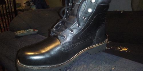 zapatos de cuero, tipo burros.