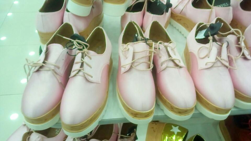 8d8636cd26 zapatos de dama casuales deportivos moda 2018. Cargando zoom.