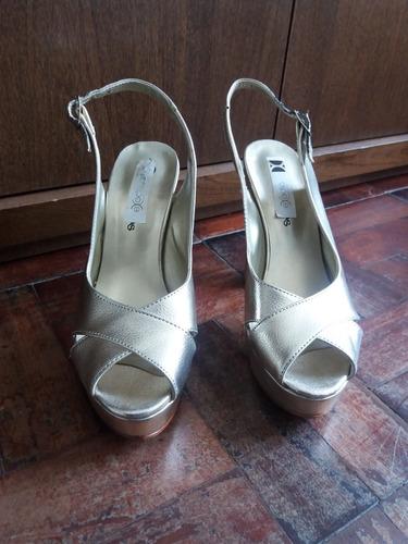 zapatos de fiesta talle 36 color oro/dorado marca saragó
