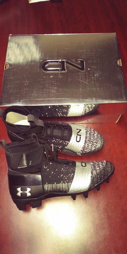 zapatos de fútbol americano ua c1n mc negros para hombre. Cargando zoom. 9f9c103b4559a