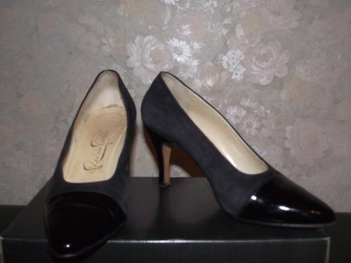 zapatos de gamuza con puntera de charol