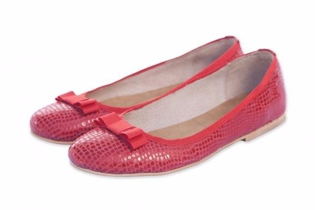 e59e3762eba Zapatos De Mujer Ballerinas Cuero En Colores Rojas Azules -   1.199 ...