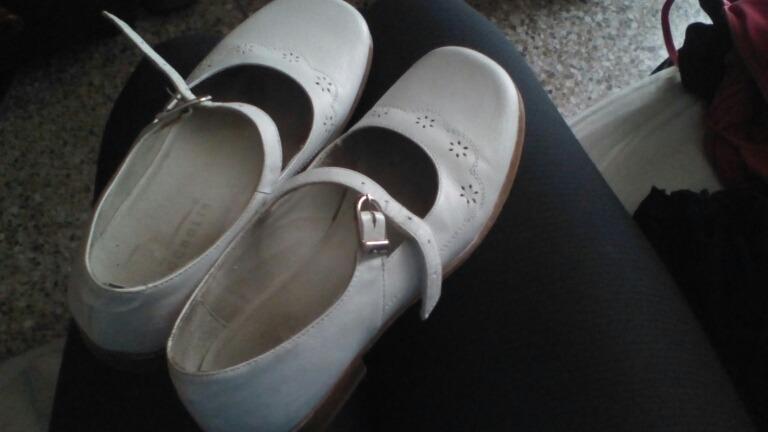 cd6d7b1491a Zapatos De Niña Talla 36 - Bs. 15.000