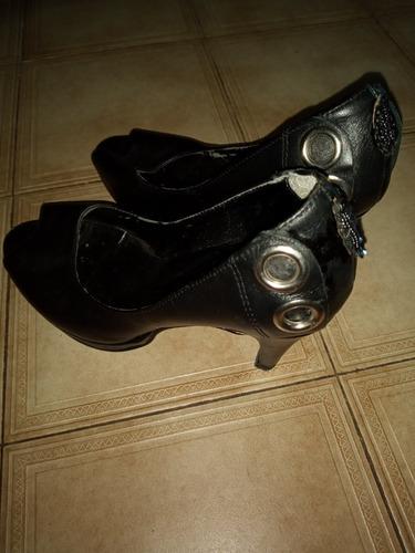 zapatos de plataforma cuerina negros 38